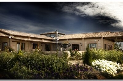 ¿Un lugar con aire rústico para tu boda en Toledo? En el Olivar de Santa Teresa podrás hacer tu sueño realidad
