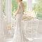 Hochzeits-Kleid: Brautkleid mit V-Ausschnitt am Rücken