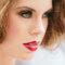 Novias con labios rojos