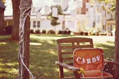 Entstauben Sie Ihre alten Koffer und dekorieren Sie damit die Hochzeit!
