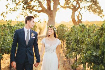 Una novia con mucho estilo en una encantadora boda al atardecer