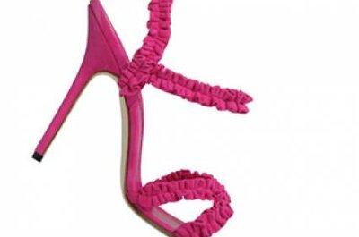 Sapatos modernos para noivas e convidadas de Manolo Blahnik