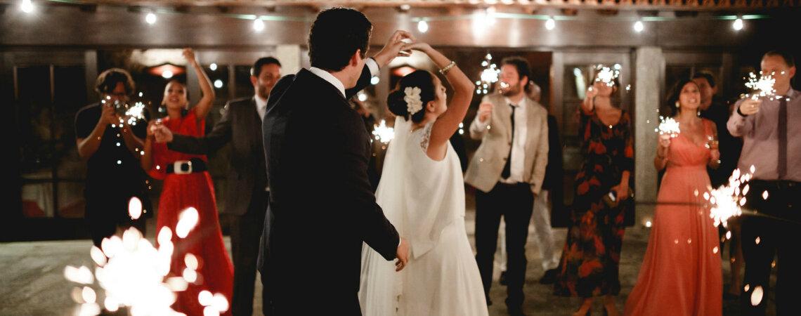 68 músicas POP que não podem faltar na pista de dança do seu casamento!