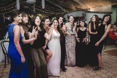 Las 8 cosas que una invitada NO debería hacer en una boda