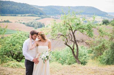 Schlichte Farbtöne bei der Traumhochzeit – So stilvoll heirateten Jacqueline & Johannes