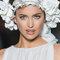 Witte bloemmenkroon - Foto: Pronovias