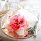 Decoração florida para um guardanapo simples. Foto: Patricia Figueira