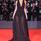 Alessandra Ambrosio con vestido de Philosophy di Lorenzo Serafini.