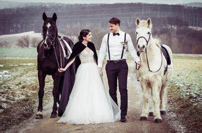 Eine elegante Scheunenhochzeit in Schwarz/Weiß