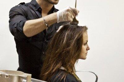 Ihre neue Haarfarbe für die Sommerhochzeit – von Stylist George Papanikolas