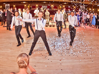 Un novio sorprende a su novia con un impresionante baile: ¡Descubre sus pasos!