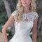 Modelo de vestido de noiva por Maggie Sottero.