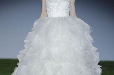 Vestidos de novia con alas y toques naturales:
