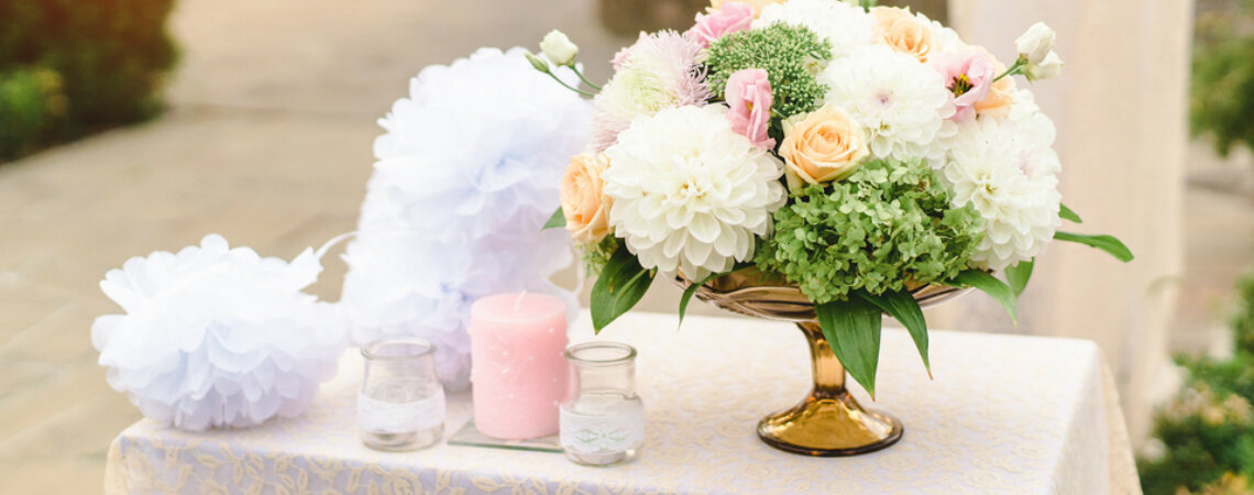 Papierowe pompony na ślub i wesele – kurs DIY!