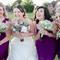 Las damas y la novia en una divertida sesión de fotos