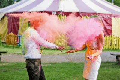 ¡Circo y diversión! Tema de boda para parejas alegres y atrevidas