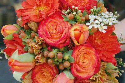 Originales ramos de novia con frutos y flores silvestres