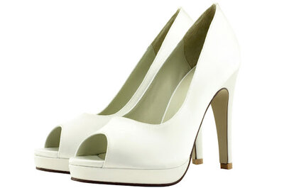 Zapatos de novia glamourosos en color blanco y negro