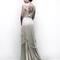 Vestido de novia 2013 en color perla con cauda y falda con superposición de volúmenes