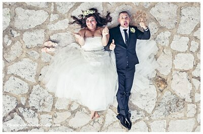 Come abbinare l'abito da sposa a quello dello sposo: ecco 12 idee originali!
