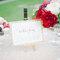 Decoración de boda en blanco y rojo.