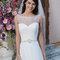 Suknia ślubna z dekoltem z tiulu, Foto: Sincerity Bridal 2015