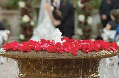 Uma decoração romântica para o seu casamento com pétalas de rosa