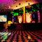 Pista de dança xadrez, com o bar próximo para diversão dos convidados. Foto: Paulo Heredia