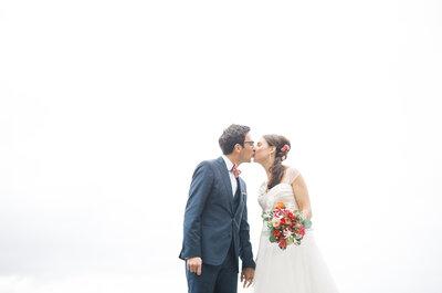 Entre vignes et pierres majestueuses, l'élégant mariage de Claire et Cédric