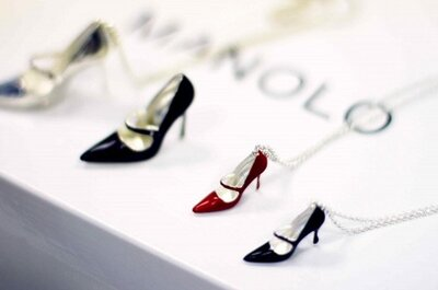 Sapatos de noiva: que tal usar Manolo Blahnik... ao pescoço?