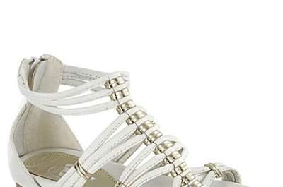 Sélection de chaussures blanches pour enfants d'honneur