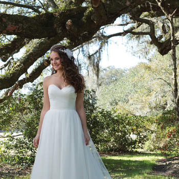 Sweetheart Collection 2017: Justin Alexander Brings Us Sophistication, Femininity and Elegance