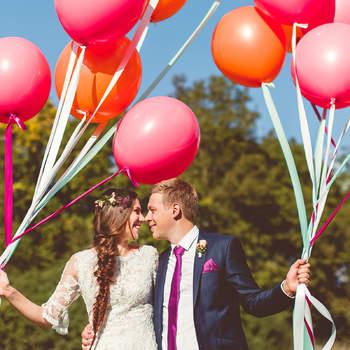 Sehen Sie hier süße Deko-Ideen mit Luftballons für Ihre Sommerhochzeit! Die Leichtigkeit der Liebe als optische Hingucker