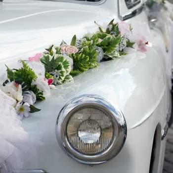The Great Escape: Vintage Wedding Getaway Cars