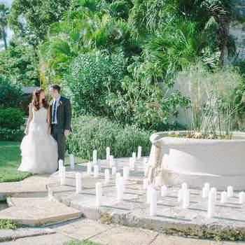Dale un toque romántico y cálido a tu boda decorando con velas