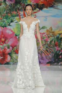 Schicke Brautkleider im Off-Shoulder-Look 2017 – Eleganz trifft auf Moderne!