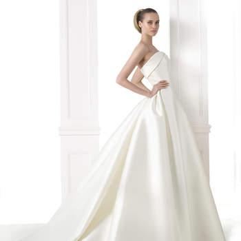 Os anos 50 no vosso look: do vestido de noiva aos acessórios.
