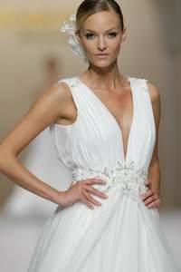 Brautkleider mit V-Ausschnitt 2015