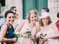 Comment placer vos invités de mariage aux tables de banquet