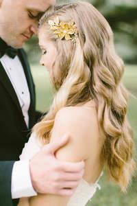 Najmodniejsze fryzury ślubne 2017
