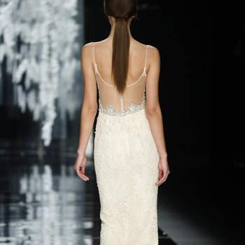Vestidos de novia con espalda descubierta 2016: Sensualidad y elegancia