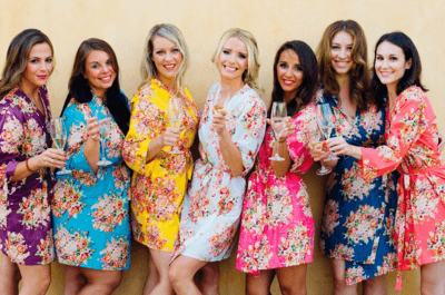 Robe para noiva e madrinhas: estilo e conforto para o seu grande dia!