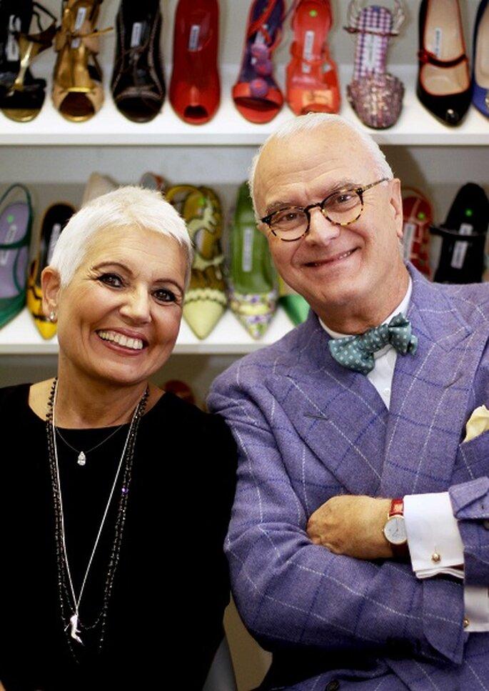 Rosa Tous y Manolo Blahnik juntos con la nueva colección de colgantes.