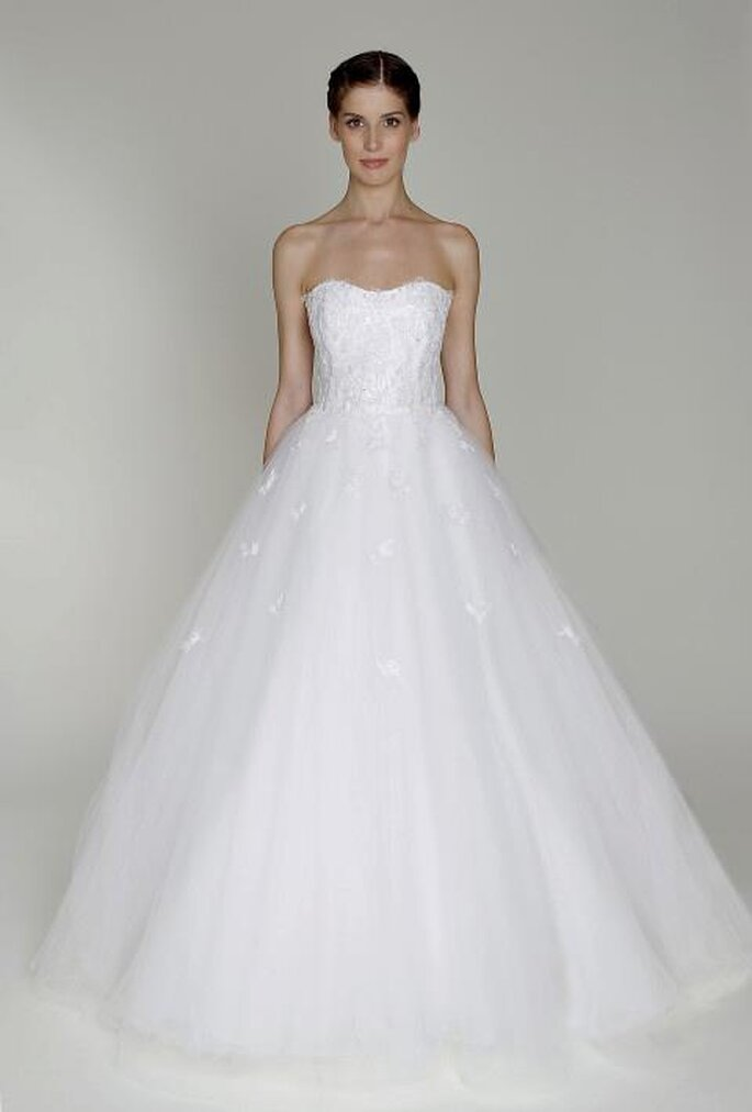 Monique Lhuillier diseñó el exclusivo vestido de novia de Avril Lavigne - Foto Monique Lhuillier Facebook