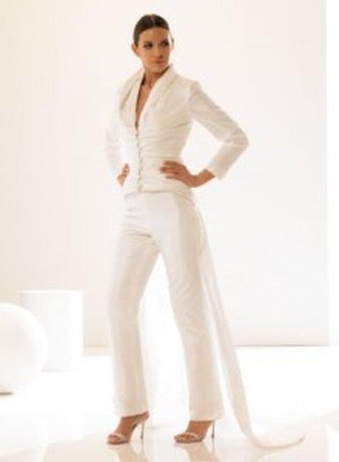 Weise 2010 Couture - Hosenanzug für die Braut in diamantweiß, Jackett und Hose aus Taft, mit Schleppe