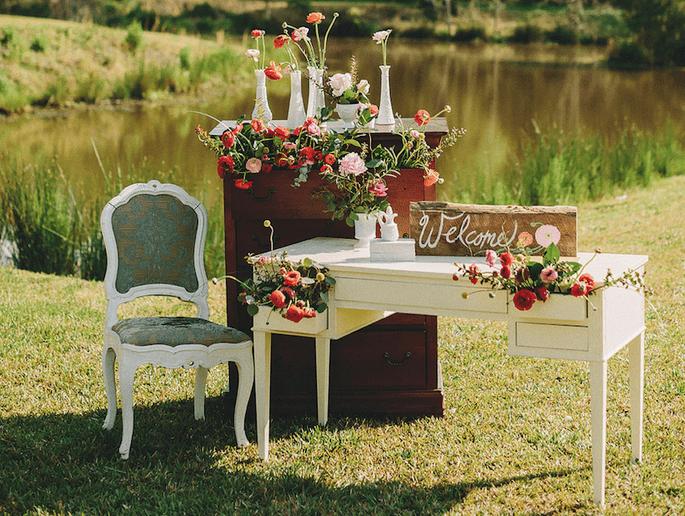 10 detalles para que tu recepción de boda sea la mejor - Two Pair Photography via Style Me Pretty