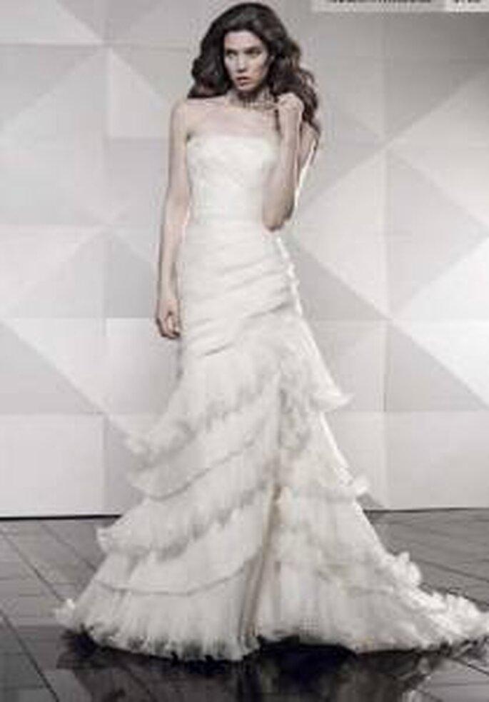 Vestido de novia - Pepe Botella - Vestido sirena, con volados, palabra de honor