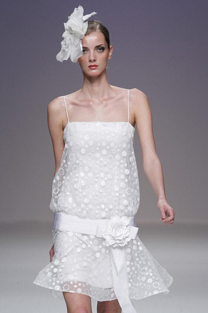 Petite robe blanche courte de Cymbeline, style bohème