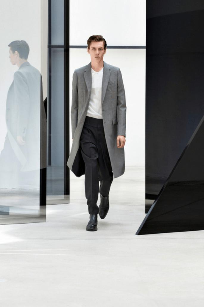 Traje para novio 2014 con gabardina en color gris oxford a juego - Foto Balenciaga