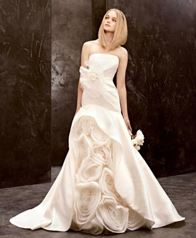 Vestido de novia económico y vanguardista de Vera Wang - Foto David's Bridal
